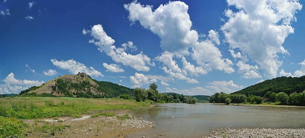 021.2. Antonie Bogdan Silviu. Sunt albastrul cerului (Valea Muresului, jud. Arad)
