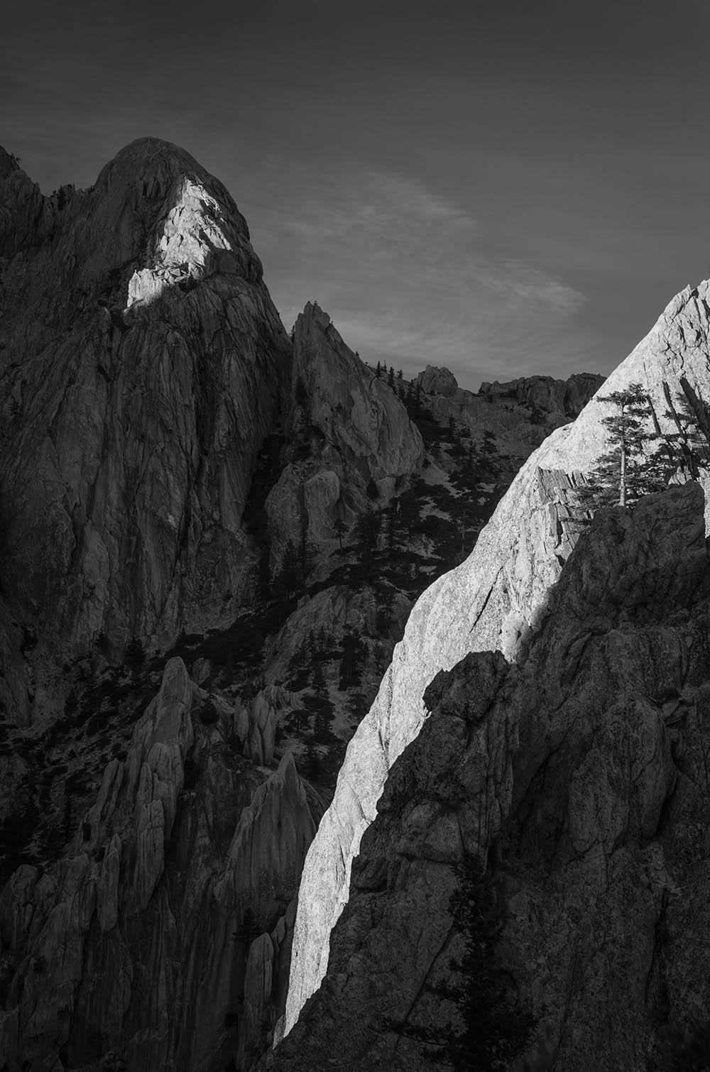 039.1. Istrate Stefan.  Dialog (Castle Crags State Park, SUA)