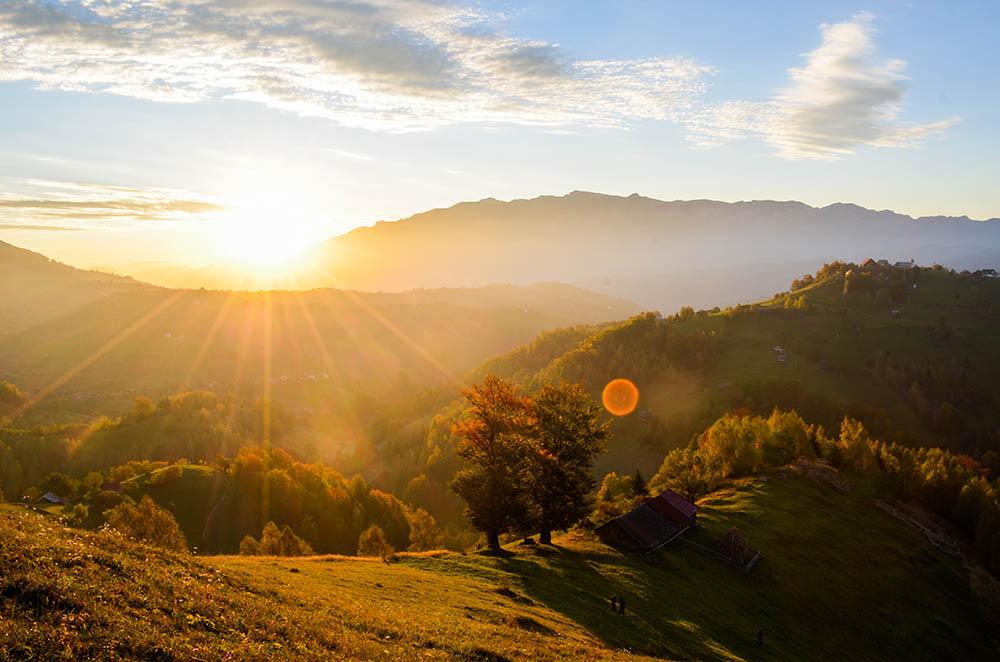 106.1. Craioveanu Iulian Raul. Sunrise (Satul Peștera, Județul Brasov)