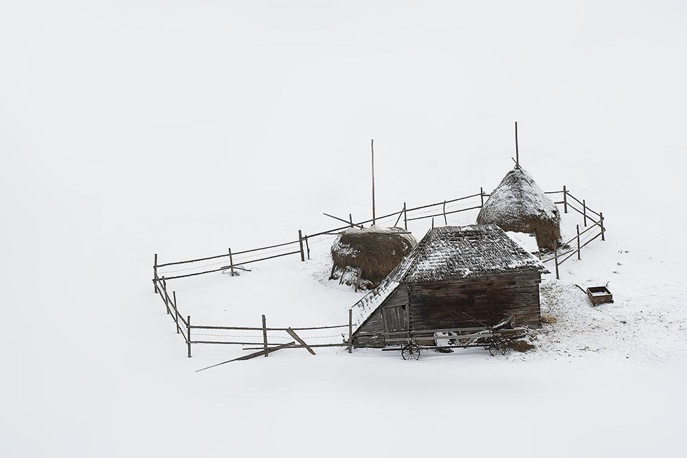 2013 – Fotoreportaj – Premiul 1- Ionescu Cosmin Nicuşor – Satul românesc de munte – 5