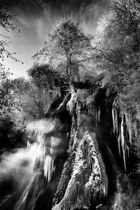 127.1.-Poenar-Raul.Frozen-in-time-(Cascada-Clocota,-Geoagiu-Bai)