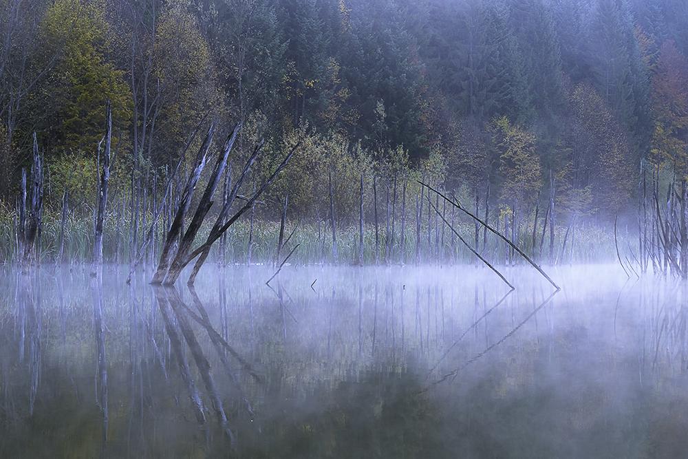 Matei Răzvan. Crepuscul peste Cuejdel (Lacul Cuejdel, jud. Neamt)